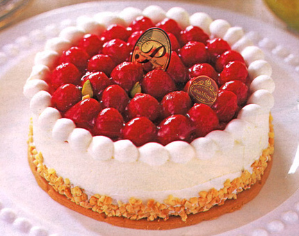 いちごのデコレーションケーキ バースデーケーキ