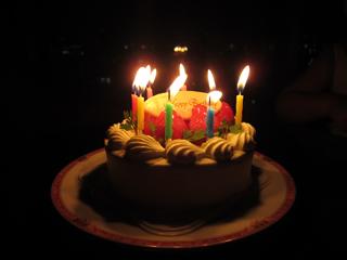 バースデーケーキ ローソク付き 1の写真 無料で使える 誕生日のフリー素材 商用利用 加工可 Happy Birthday Project