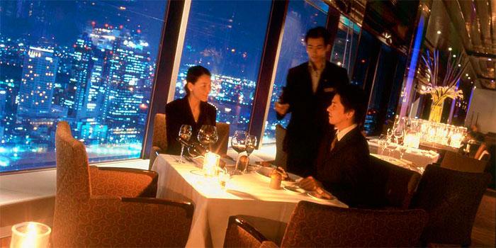 ウインドーズ オン ザ ワールド/ヒルトン大阪 最上階(35階)/店内写真