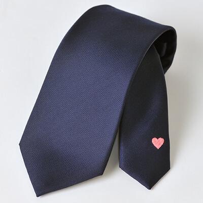 ランキング6位「FAIRFAX ハート刺繍入りネクタイ」男が欲しい!バレンタインプレゼント