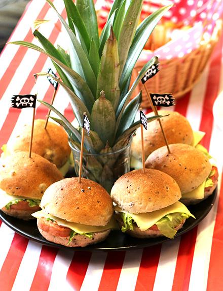 海賊風お手軽ワイルドハンバーガー