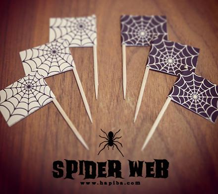 蜘蛛の巣モチーフのフードピック