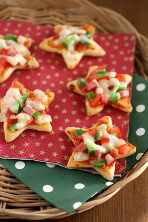 クリスマスのおせんべいピザ クリスマスパーティーのアイデア料理