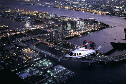 東京の美しい夜景をヘリコプターで遊覧飛行!