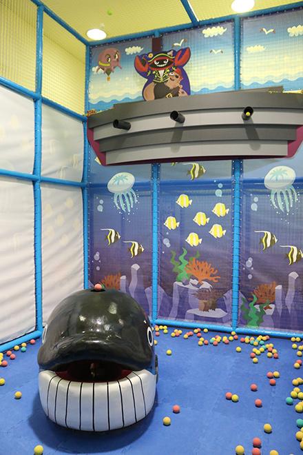 クジラがいる部屋