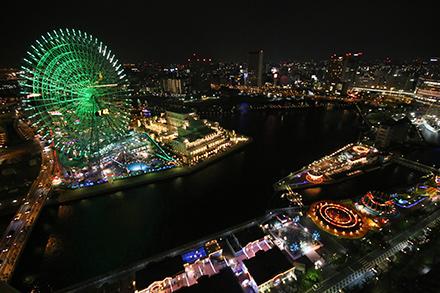 お部屋のバルコニーから横浜の夜景が見えるホテル「横浜ベイホテル東急」