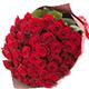 赤いバラの花束でプロポーズ