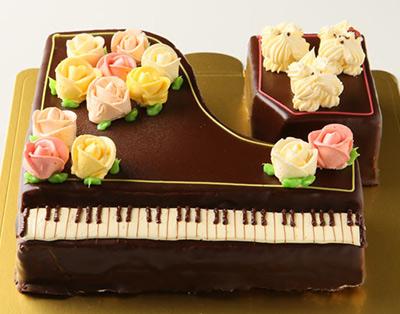 グランドピアノの立体ケーキ