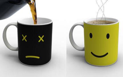 中身の温度によって表情が変化するマグカップ『Monday Mug』