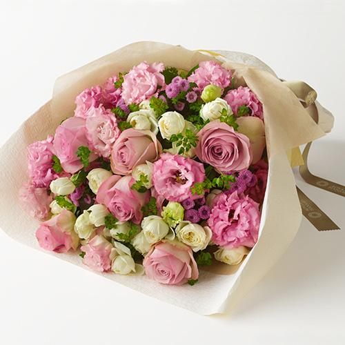 上品な印象でボリュームもあるピンク系花束 誕生日の花束