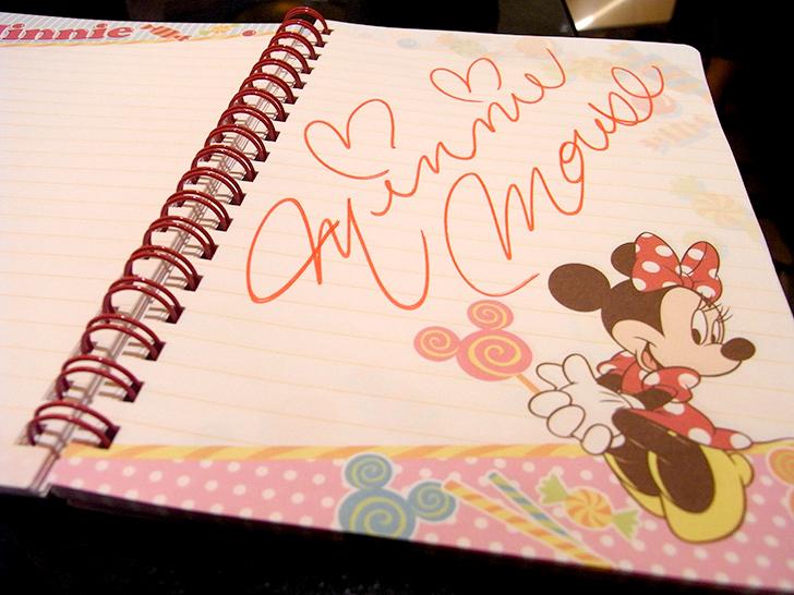シェフミッキーでミニーちゃんに書いてもらったサイン