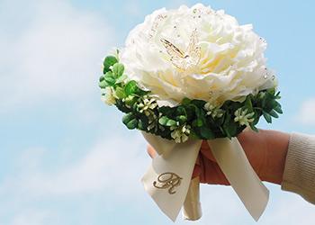 プロポーズの記念に贈って大成功 プロポーズイメージ写真