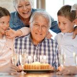 【60歳・還暦祝い】祖父・祖母の誕生日祝いに喜ばれるプレゼント12選!