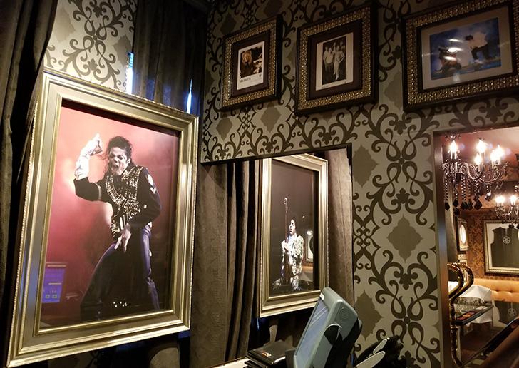 ハードロックカフェ店内 マイケルジャクソンの写真