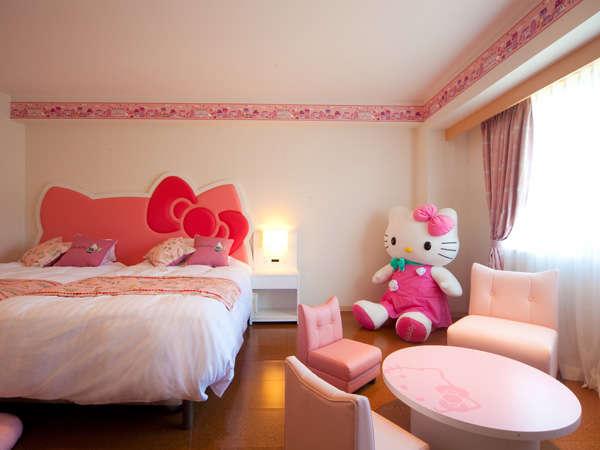 キティーちゃん ルーム キャラクタールーム のあるホテルでサプライズ