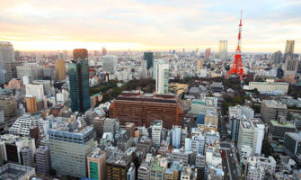高層ビルの展望台から見える景色