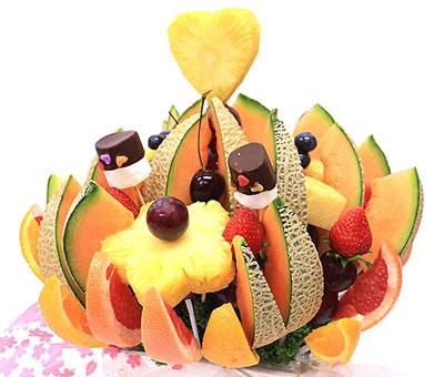 サプライズな果物の花束ギフト