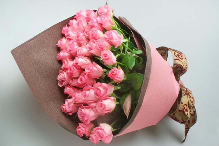 ピンクバラ50本花束