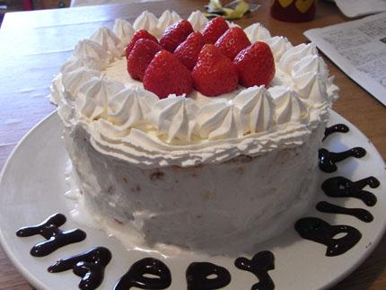 子供と一緒に作った手作り誕生日ケーキ