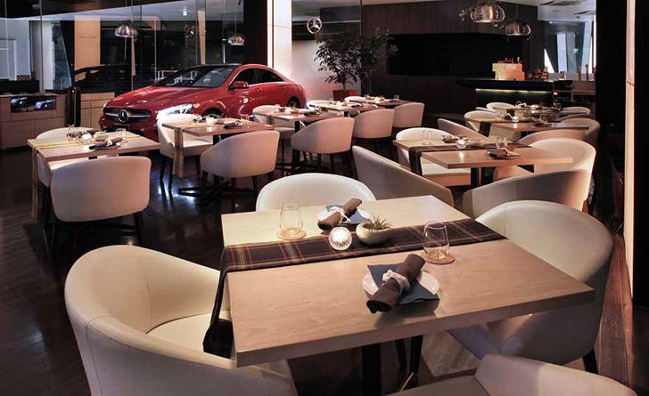 東京都・六本木/フレンチ Mercedes me Tokyo UPSTAIRS(メルセデスミートウキョウアップステアーズ)の店内