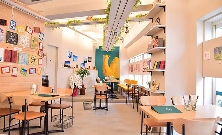 東京都・六本木/イタリアン GALLERY&CAFE CAMELISH(ギャラリーアンドカフェ キャメリッシュ)の店内