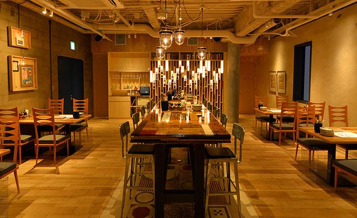 東京都・新宿三丁目/グリル料理 グリルド エイジング・ビーフ TOKYOの店内