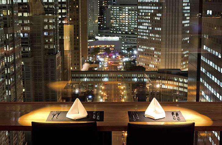 東京都・新宿/オールジャンル MANHATTAN TABLE(マンハッタンテーブル)/新宿ワシントンホテルの夜景 店内