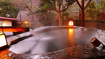 日本一の巨石・巨木露天の宿 白壁荘(中伊豆・天城温泉郷)