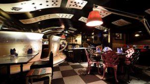 テーマパークみたいな感動空間!サプライズレストラン
