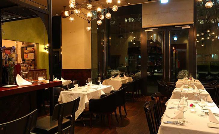 東京都・大手町/イタリアン Wine bar & Trattoria Orchestravino(オルケストラヴィーノ)の店内