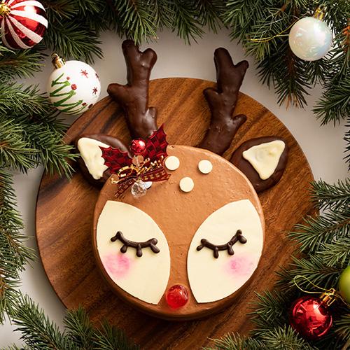 可愛いトナカイをモチーフにしたクリスマスケーキ