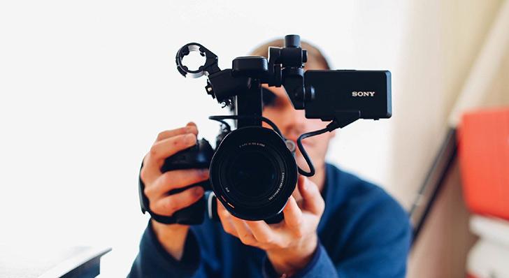 メッセージビデオの撮影してるシーンのイメージ