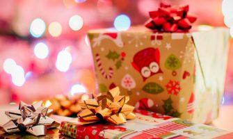 クリスマスのプレゼント交換が盛り上がる楽しいアイデア8選!
