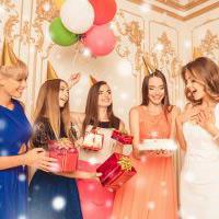 女友達が喜ぶ誕生日サプライズのアイデア集