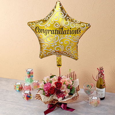 「congratulations」バルーンとアレンジメント