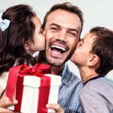 お父さんの誕生日プレゼントに人気のおすすめアイテム18選!