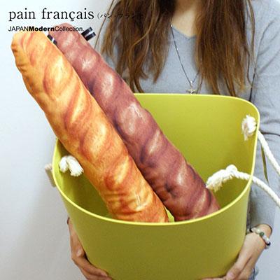フランスパンをモチーフにしたクッション