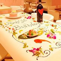 インスタ映えなバースデープレートが人気のレストランで誕生日サプライズ