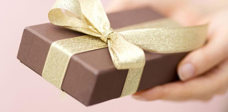 プレゼントのスマートな渡し方
