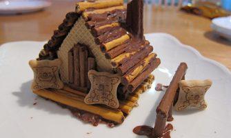 コアラのマーチ「お菓子の家手作りキット」