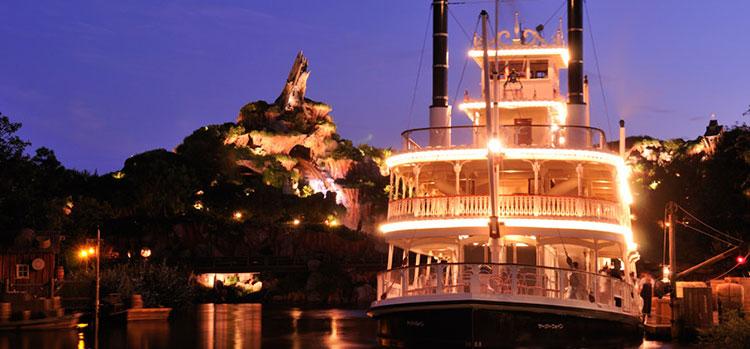 ディズニーランド 蒸気船マークトウェイン号