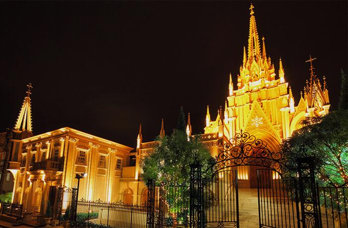 青山セントグレース大聖堂『光と音のビアホール・ビアガーデン』