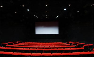 映画館でサプライズ