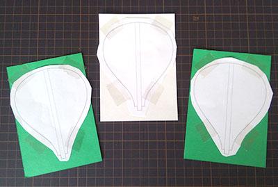 型紙を画用紙に貼る モビールの作り方