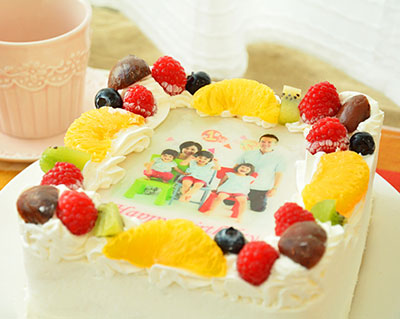 四角い写真ケーキ 5号サイズの誕生日ケーキ