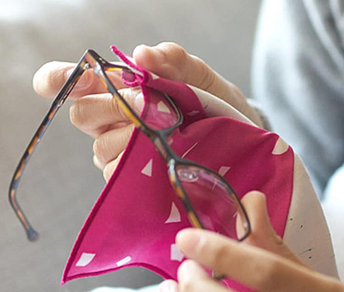 fukeru-眼鏡が拭けるハンカチ fruits (Sサイズ)