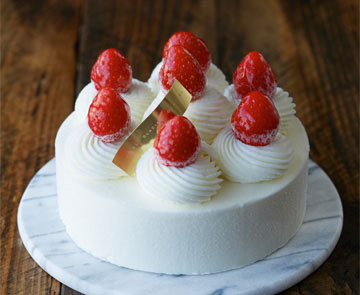 5号サイズの誕生日ケーキ