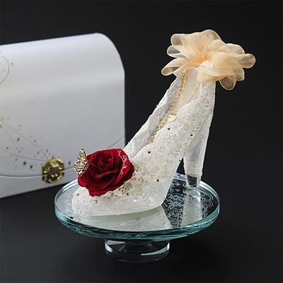 【プロポーズ・シンデレラのガラスの靴】プリンセスローズ(名前刺繍入り)