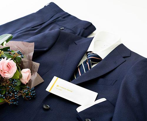 FABLIC TOKYO のスーツとギフトカード