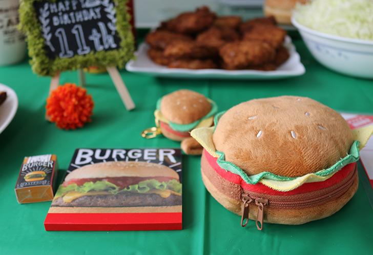 ハンバーガーグッズ バーガーショップ(モスバーガー風)をテーマにした子供の誕生日パーティー演出